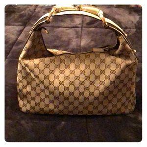 Medium hobo Gucci purse